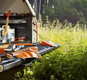Ръчни инструменти и принадлежности за работа в гората